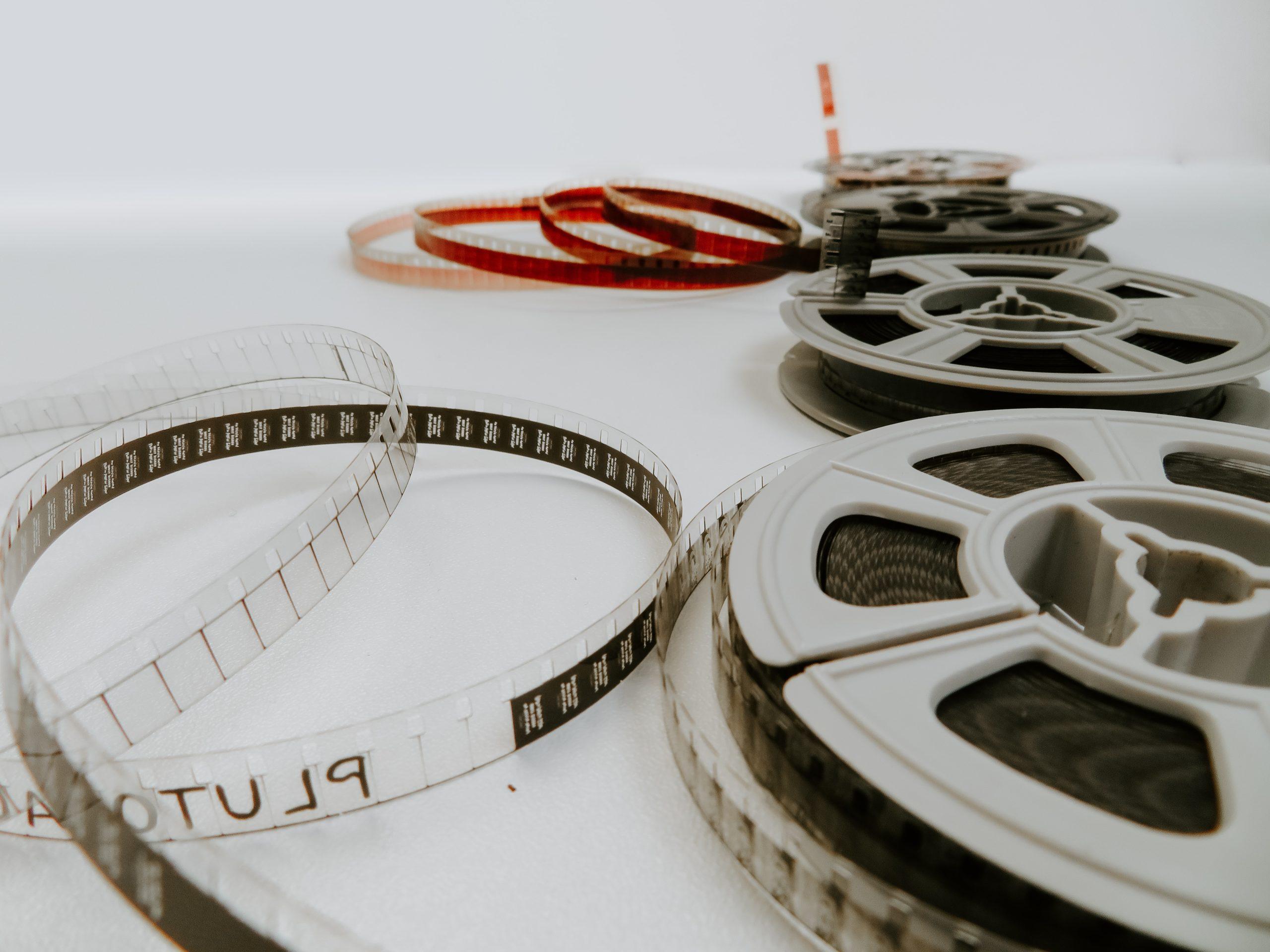 Cover for article 'Nya filmer ska hjälpa identifiera och stöda unga omsorgsgivare'