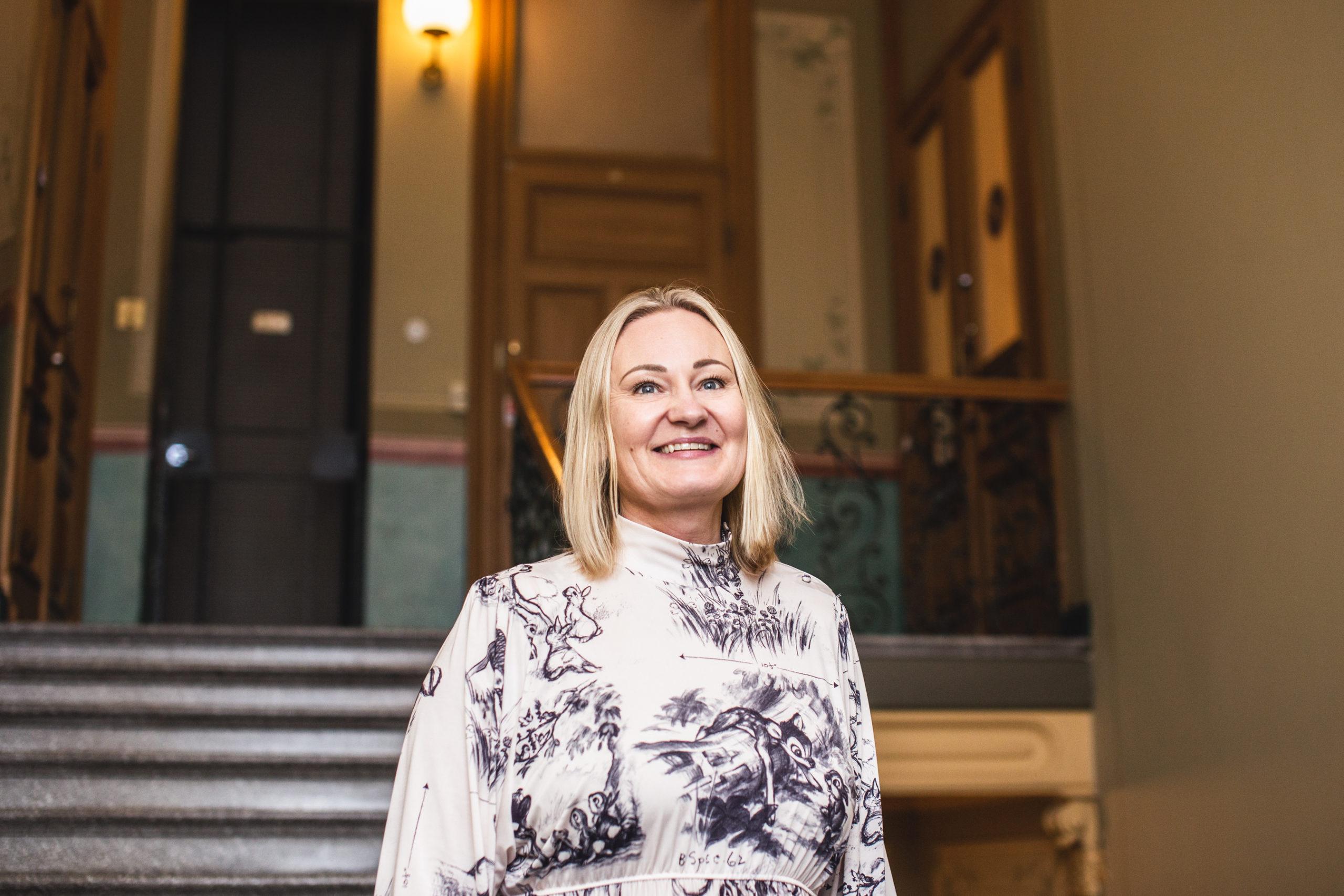 Cover for article 'Möt stiftelsens nya ordförande Mia Holmbäck!'